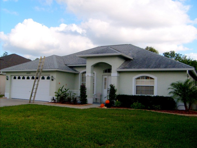 Tampa Roof Cleaning - Shingle Roof Cleaning