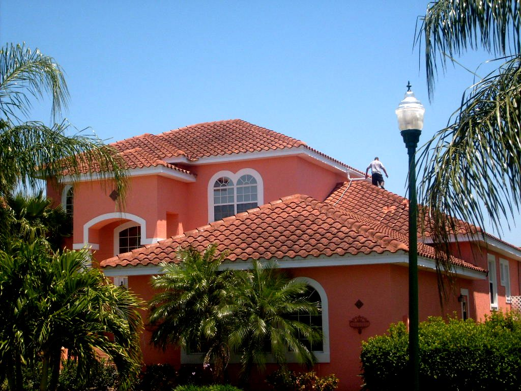 Apple Roof Cleaning Tampa Florida