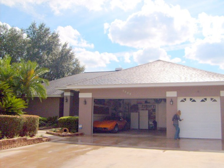 Cleaning Roof Shingles Tampa Florida