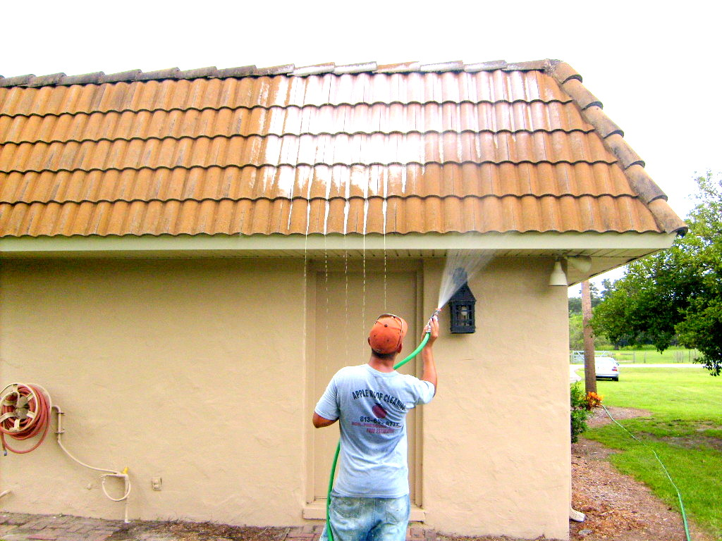 Pressure washing tile roof tampa pressure washing roof tiles roof cleaning tampa florida - Using water pressure roof cleaning ...