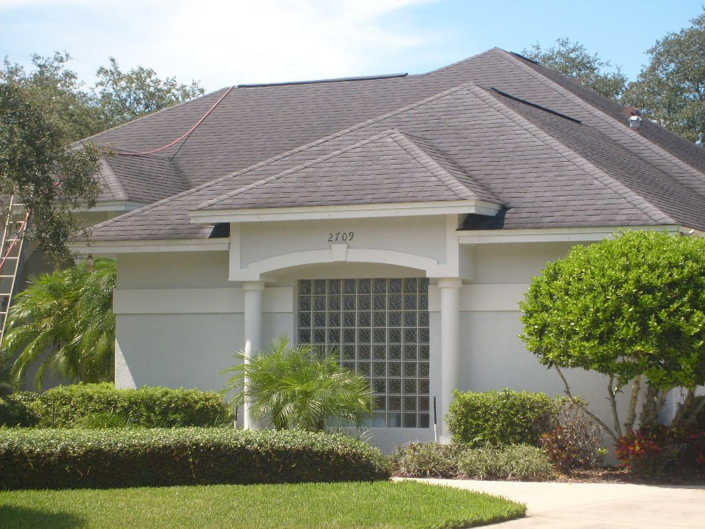 APPLE ROOF CLEANING TAMPA 7401 Patrician Place Tampa FL 33619 (813)293 1733  (813)655 8777