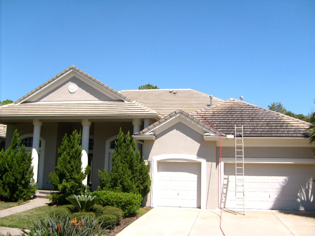 APPLE ROOF CLEANING For Lakewood Ranch Florida