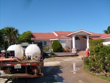 Roof Algae Cleaning Tampa Florida
