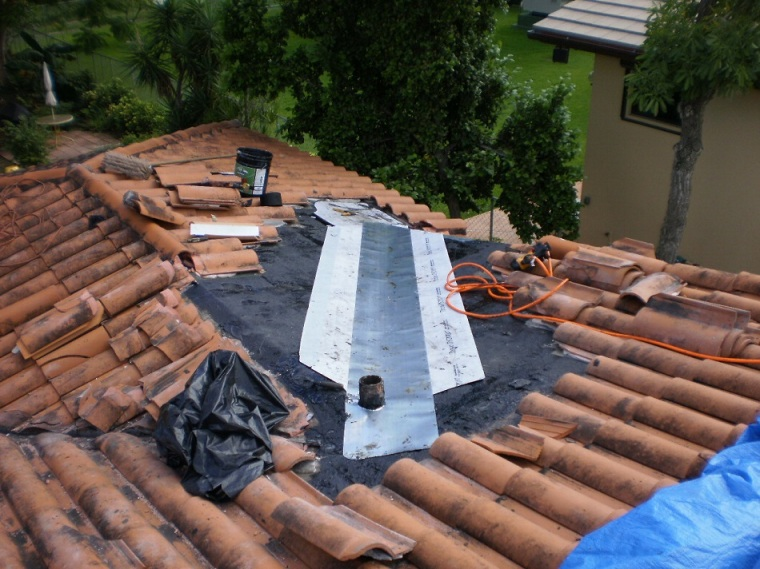 clay-tile-roof-repair-tampa florida